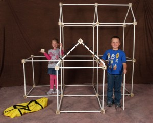 This is a picture of the Colossal fort kit by toydle. The Colossal fort kit is truly an amazing kid's fort